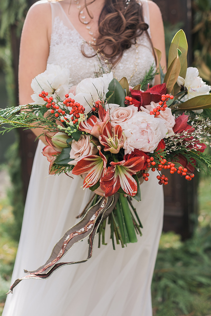 romantic holiday wedding inspiration | Whimsie Photo and Video | Glamour & Grace
