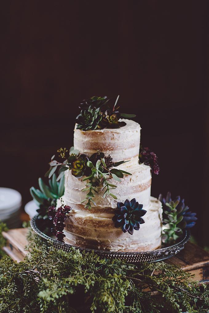 vintage-Christmas-tree-farm-wedding-Alyssa-Shrock-Photography-Glamour-Grace-41