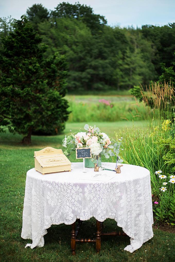 romantic vintage summer wedding | Julie K. Gray Photography | Glamour & Grace