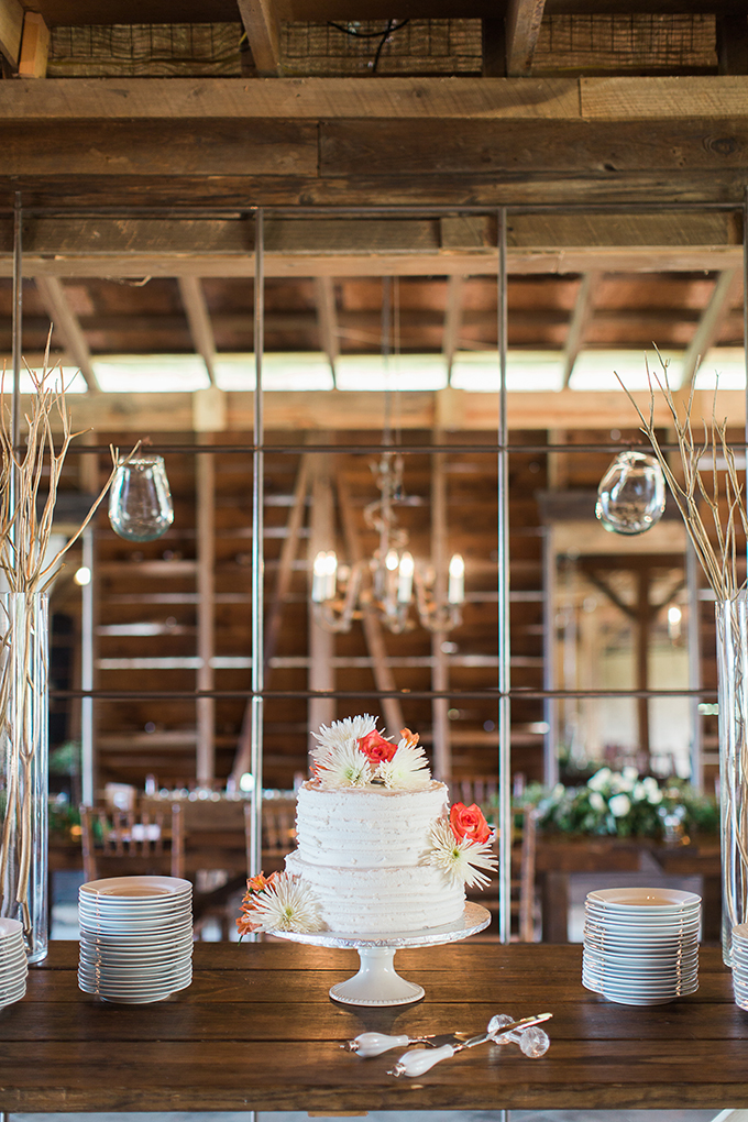romantic farm wedding | Lindsey LaRue Photography & Makeup Artistry | Glamour & Grace-36
