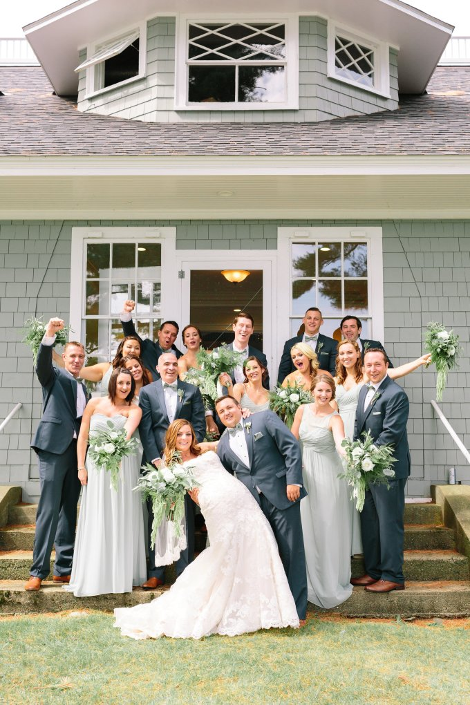 romantic greenery coastal wedding | Lex Nelson Photography | Glamour & Grace-14