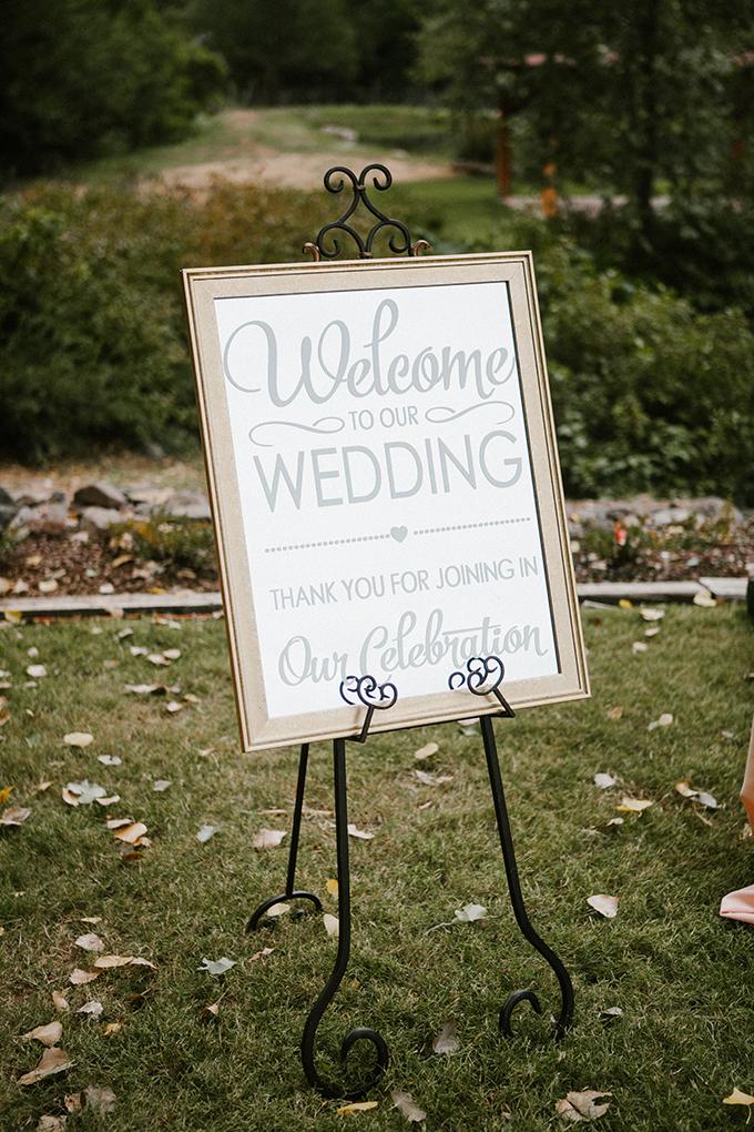 intimate lodge wedding | Jay & Jess Photography | Glamour & Grace-08