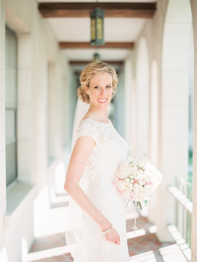 romantic candlelit wedding | Ashley Crawford Photography | Glamour & Grace-06