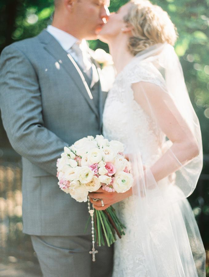 romantic candlelit wedding | Ashley Crawford Photography | Glamour & Grace-18