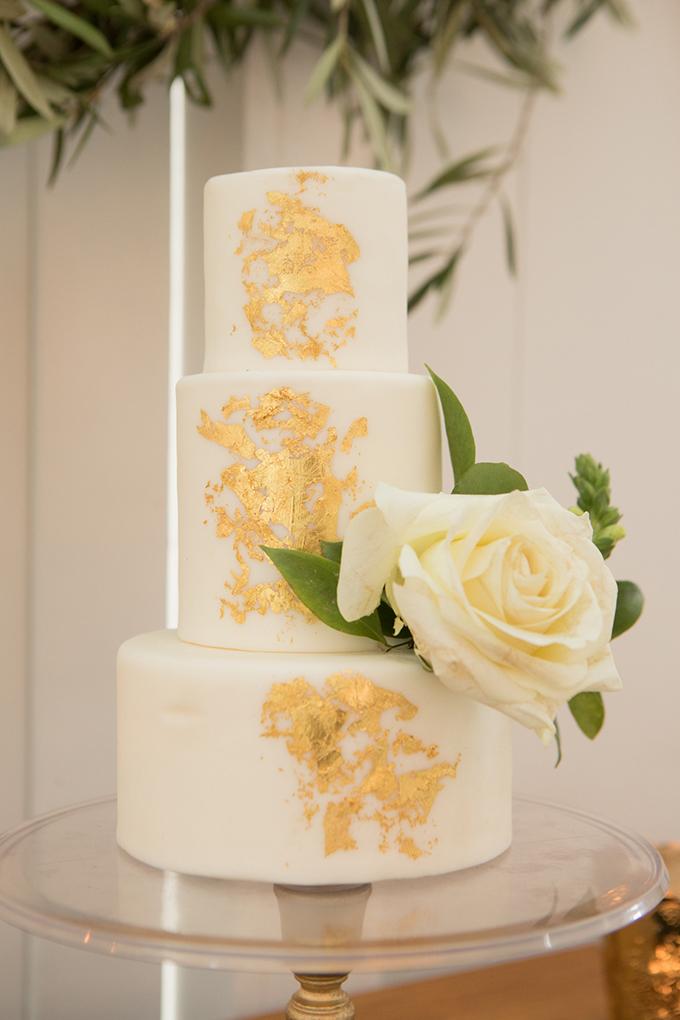 timeless farmhouse wedding inspiration | JW Baugh Photography | Glamour & Grace-16