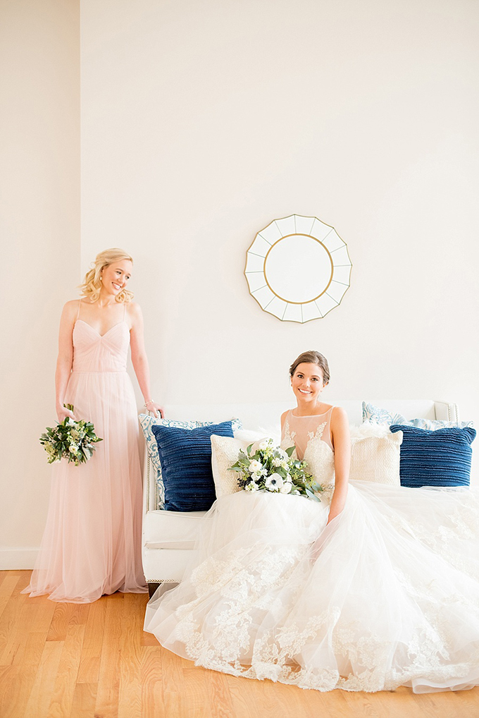 elegant blue and white wedding inspiration | Mikkel Paige Photography | Glamour & Grace-08