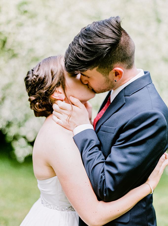 berry summer heirloom wedding | Greg Lewis Photography | Glamour & Grace