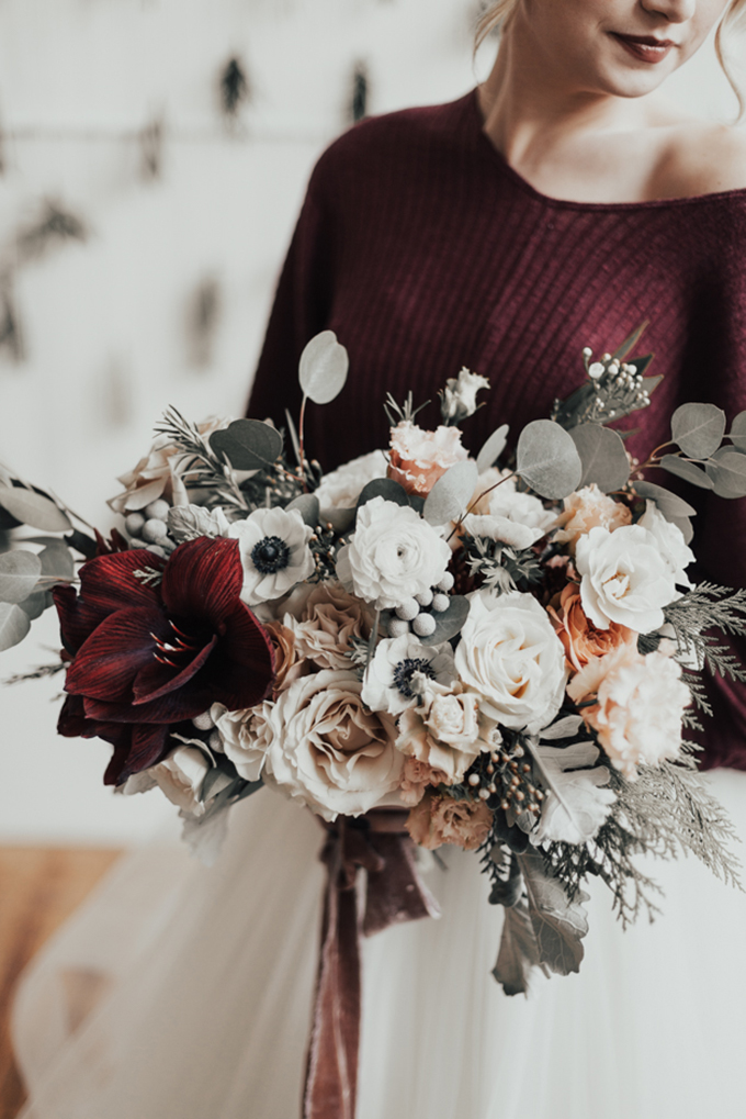 romantic and cozy winter wedding inspiration | Sarah Olivia Photography | Glamour & Grace