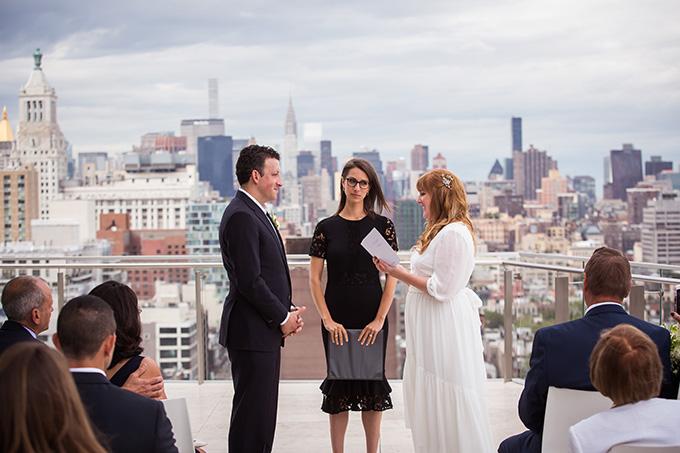 intimate NYC rooftop wedding | Femina Photo + Design | Glamour & Grace