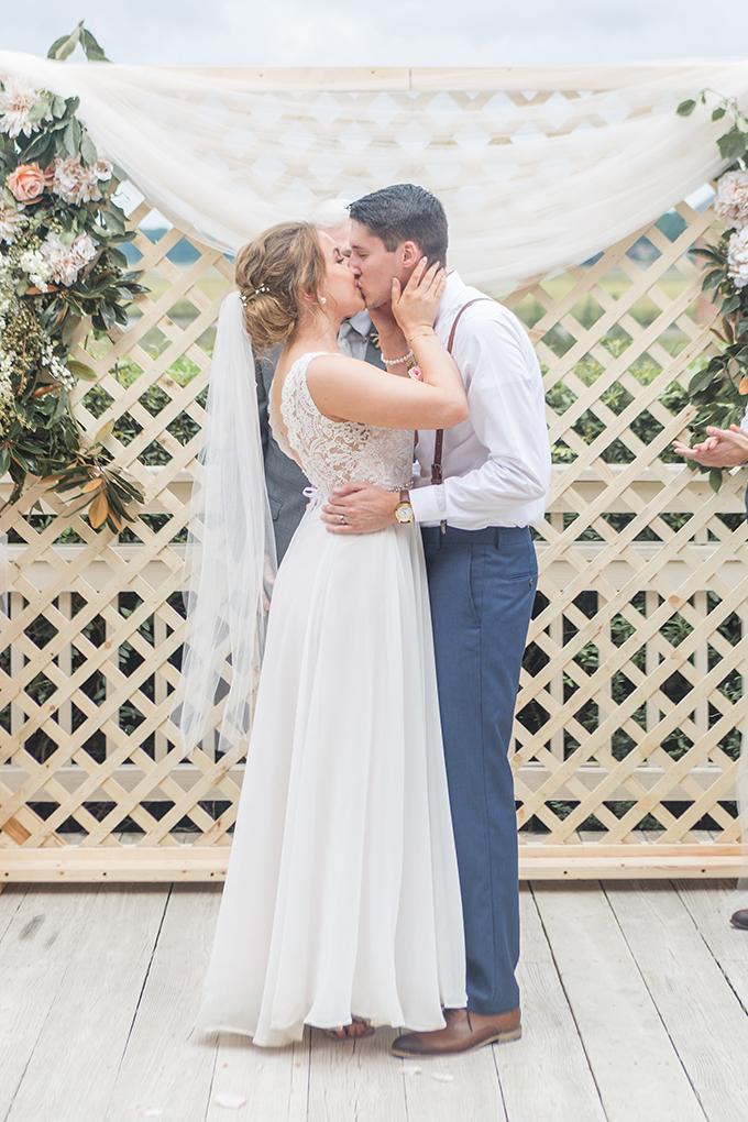 rustic blush wedding | Kir Tuben | Glamour & Grace