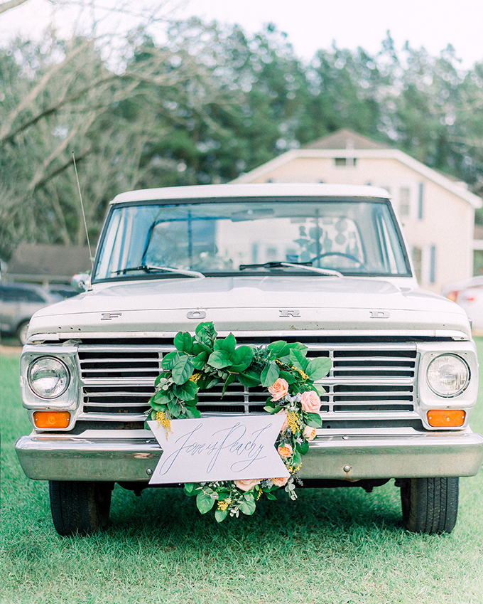 romantic summer farm wedding ideas | Southern Grace Photography | Glamour & Grace