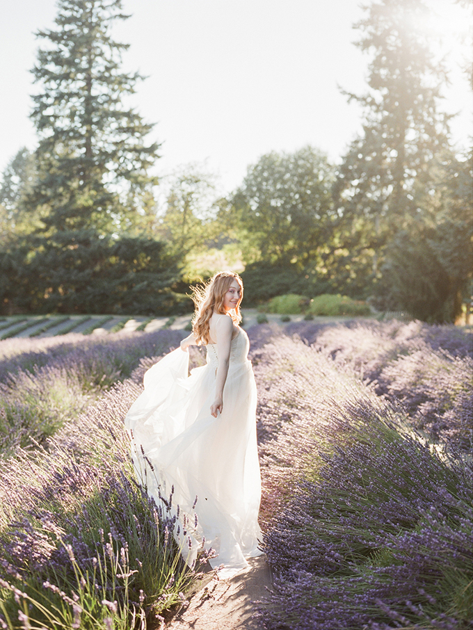 romantic lavender field bridal portrait | Esther Louise Photography | Glamour & Grace-01