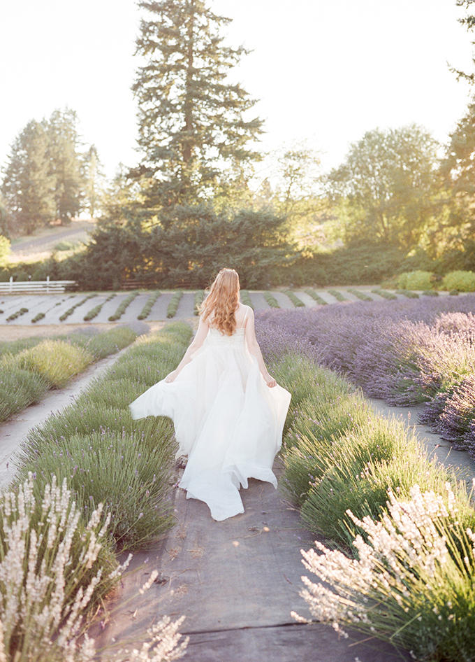 romantic lavender field bridal portrait | Esther Louise Photography | Glamour & Grace