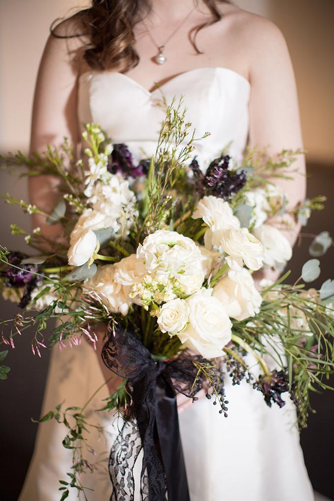vintage Halloween wedding ideas | Emily Ann Photography | Glamour & Grace