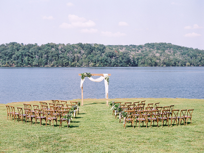 blue and white lakeside wedding | Juicebeats Photography | Glamour & Grace