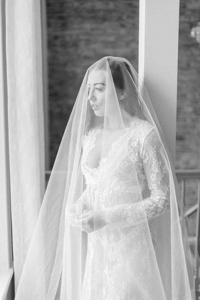 romantic and elegant boudoir session   Wolfcrest Photography   Glamour & Grace