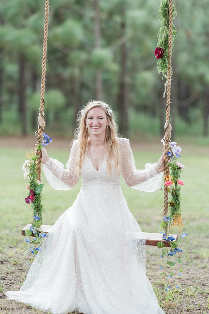 whimiscal woodland wedding   Audrey Grace Photo   Glamour & Grace