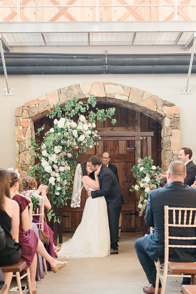 purple and cream winery wedding | Alicia Lacey Photography | Glamour & Grace
