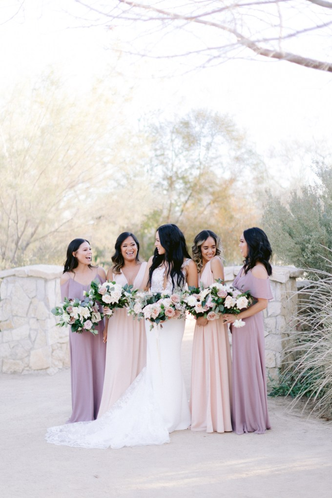 romantic neutral Vegas wedding | Susie and Will | Glamour & Grace