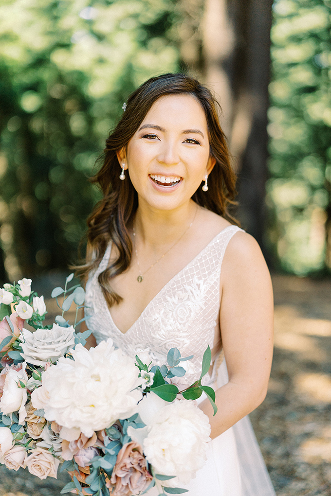 romantic blush redwoods wedding | Winnie Dora Photography | Glamour & Grace