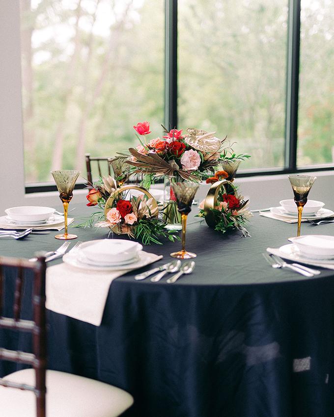 modern elegant winter wedding ideas | Sidney Baker-Green | Glamour & Grace