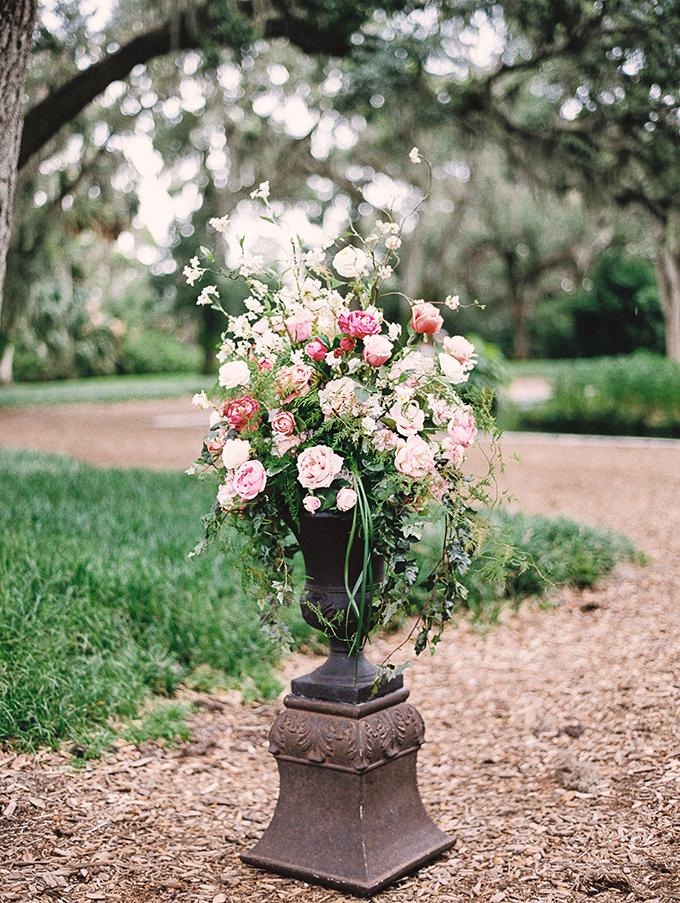 blush garden wedding   Caroline Maxcy Photography   Glamour & Grace