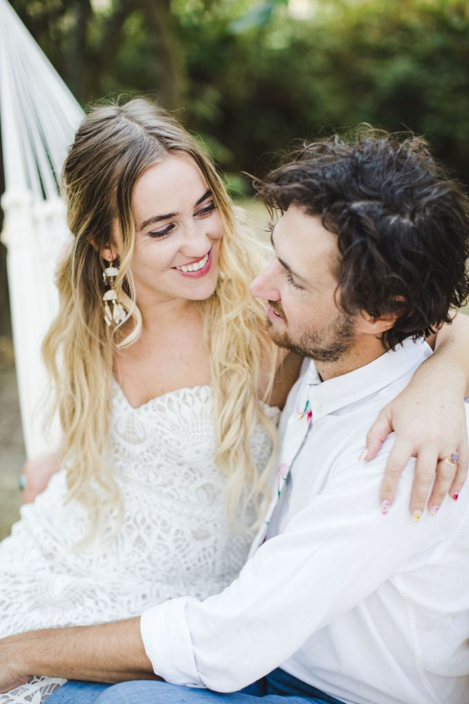 colorful backyard boho wedding | AVH Photography | Glamour & Grace