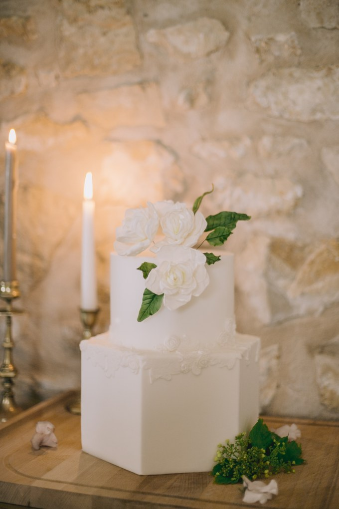 organic estate wedding ideas | Claire Macintyre Photography | Glamour & Grace