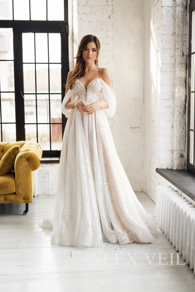 Off the Shoulder Tulle Wedding Gown