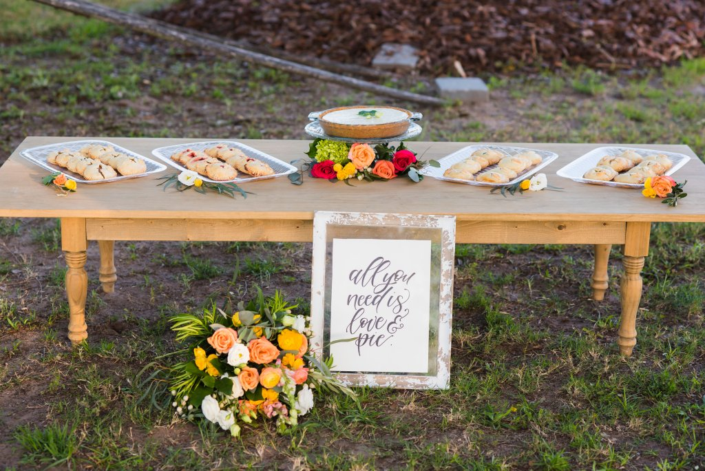 wedding pie table Jacksonville wedding fake wedding