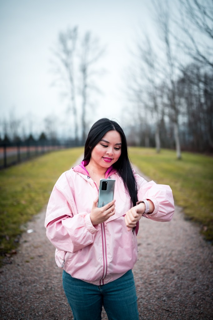 Glamouraspirit with Huawei P40 Pro Smartphone in Silver frost and Huawei Watchfit in sakura pink