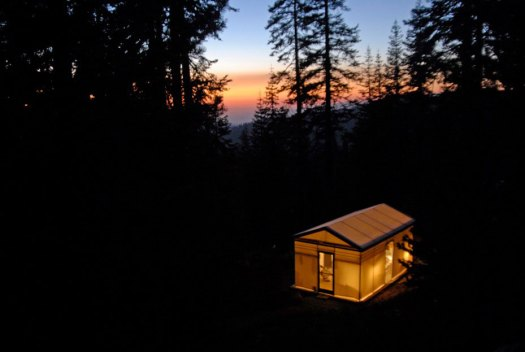 tent-cabin-at-night