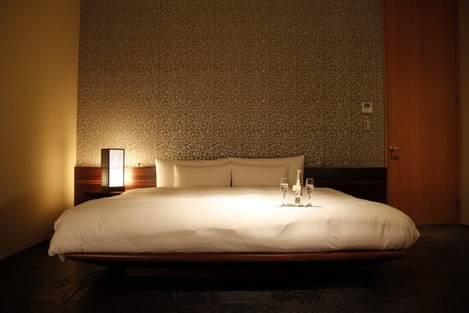 06HoshinoyaKyoto-Bedroom_HoneyTrek.com