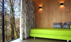 Cabane pin blond salon au glamping Cabanes de Salagnac à Meyrignac l'Eglise en Limousin