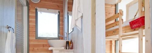 Salle de bain - Skipper au glamping Domaine le Midi à Barbatre en Vendée