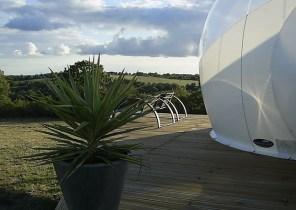 Terrasse bulle au glamping Noct'en bulle à Cabrerets en Midi-Pyrénées