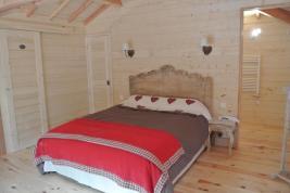 Chambre de la cabane perchée au glamping Lo Rey du Lac à Hossegor en Aquitaine