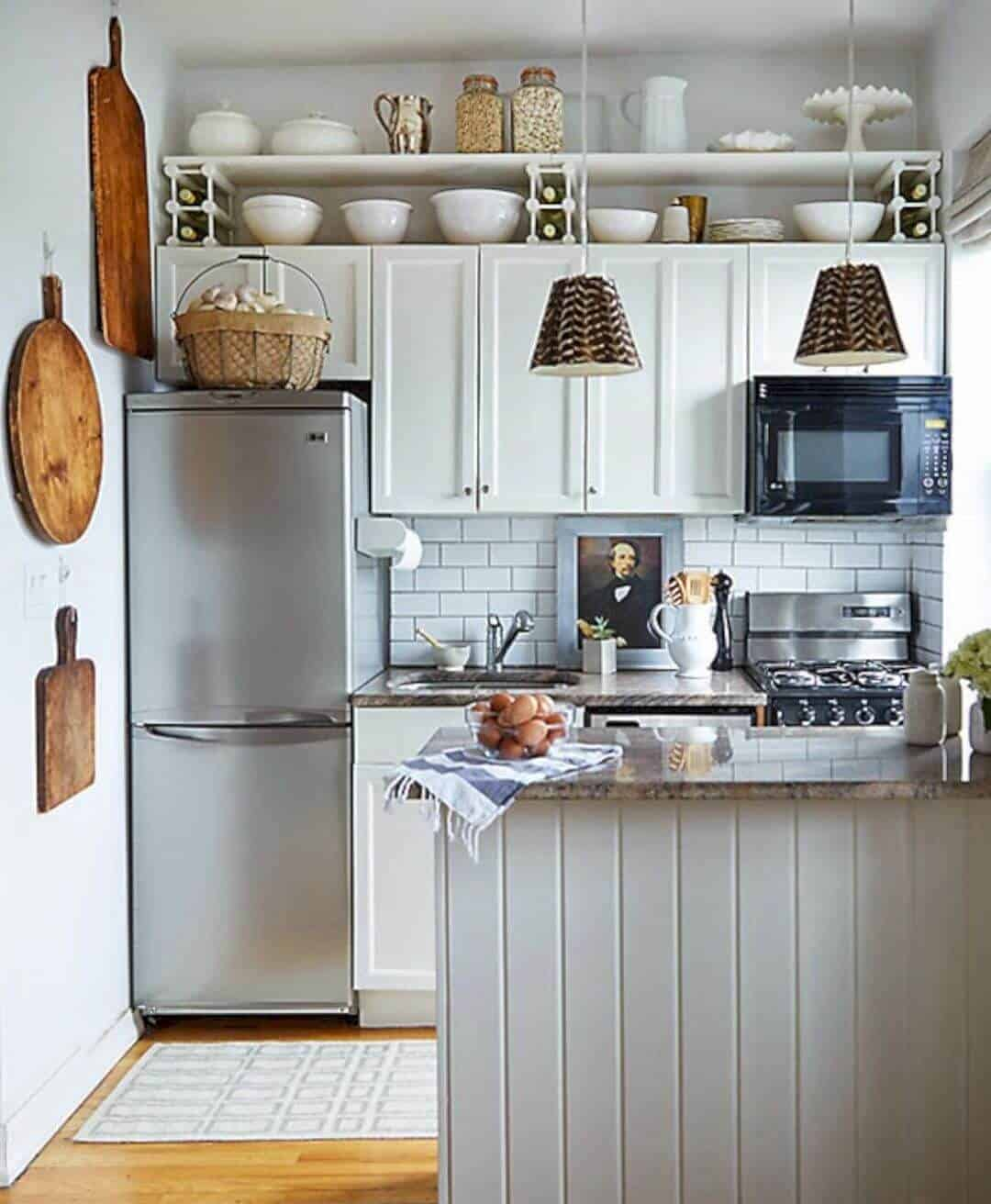 39 Exceptional Ways to Improve and Decorate with a Very ... on Tiny Kitchen Remodel Ideas  id=39150