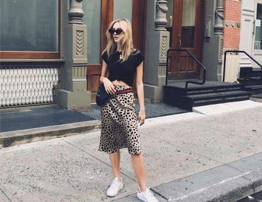 realisation par naomi leopard midi skirt
