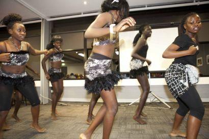 OZ Afrique dancers
