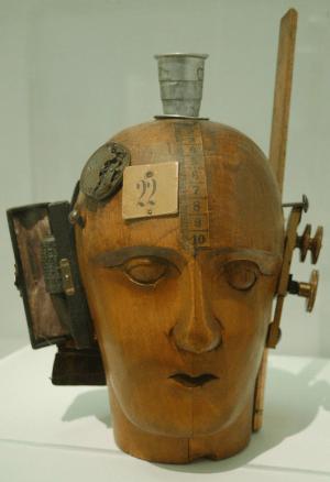 Raoul Hausmann - Mechanischer Kopf (1919) - Tete mecanique - Dadaismus in Literatur und Kunst - Glarean Magazin