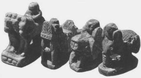 Fund von Alten Schachfiguren aus Afrasiab (Nähe Samarkand) Usbekistan - König, Streitwagen, Wesir, Elephant - Glarean Magazin