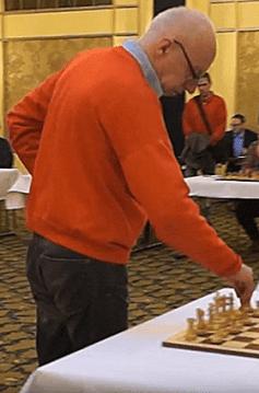 Robert Hübner an einer öffentlichen Schach-Simultanvorstellung