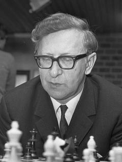 Schach-Weltmeister und Bariton-Sänger: Wassily Smyslow (1921-2010))