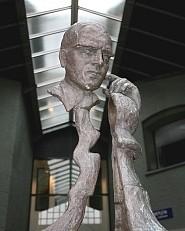 Euwe-Statue im «Max-Euwe-Zentrum» Amsterdam