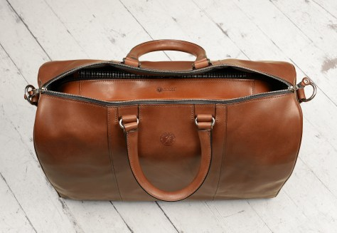 Hand-burnished,-espresso-Duffel-Bag;-19-x-13-x-9'-topdown