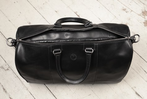 Hand-burnished,-black-Duffel-Bag;-19-x-13-x-9'-topdown1