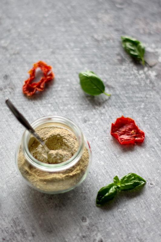Caprese Salz im Glas mit Löffel