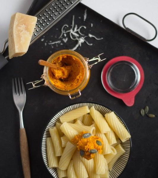 Kürbis-Pesto auf Pasta