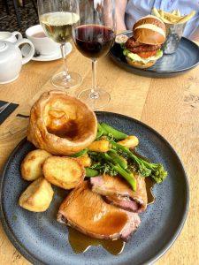Sunday roast Loks bar and kitchen shawlands